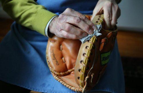 glove-reapair-large.jpg